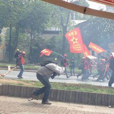 #1Mayıs polis püskürtüldü kitle alana yeniden çıktı