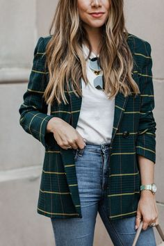 fall beauty A plaid blazer is everything I look for in my fall wardrobe. And if youve been a reader for a while, this probably comes as no surprise. A boyfriend style blazer is refined, si Look Blazer, Plaid Blazer, Casual Blazer, Blazer Dress, Sleevless Blazer, Green Blazer, Green Coat, Striped Blazer Outfit, Fashion Mode