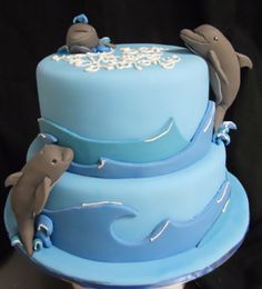 dolphin-cake by Amanda Oakleaf Cakes, via Flickr