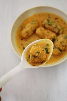 Bhaat na rasawala muthia recipe (Gujarati rasiya muthia recipe) Lentil Recipes, Veg Recipes, Vegetarian Recipes, Cooking Recipes, Recipies, Gujarati Cuisine, Gujarati Recipes, Gujarati Food, Leftover Rice Recipes