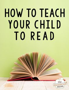 This helpful video gives 8 helpful tips to show you how to teach your child to read. Grab the free printable ebook with step-by-step instructions! Get ideas for teaching comprehension, phonics, and more. #teachingreading #homeschooling #comprehension #phonics