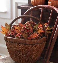 basket with fall deco Harvest Time, Fall Harvest, Harvest Farm, Harvest Season, Harvest Moon, Fall Season, Autumn Decorating, Christmas Centerpieces, Christmas Decorations