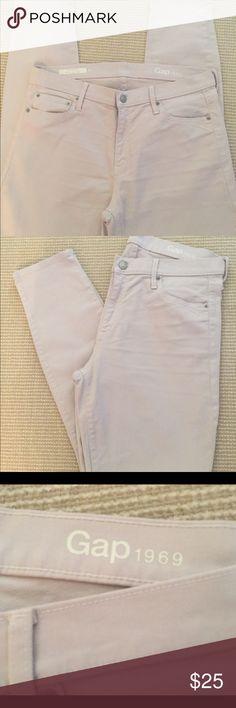 Gap skinny jeans NWOT Gap skinny Lt beige colored jeans GAP Jeans Skinny