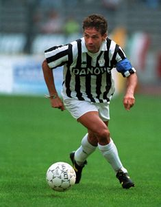 Best Football Players, Football Soccer, Football Shirts, Roberto Baggio, Michel Platini, The Other Guys, Sport Icon, Juventus Fc, Best Player