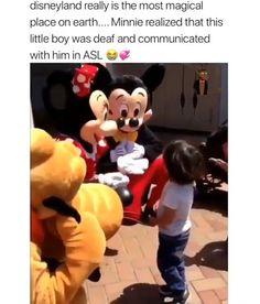Sweet Stories, Cute Stories, Cute Gif, Funny Cute, Human Kindness, Feel Good Videos, Faith In Humanity Restored, Disney Memes, Cute Disney