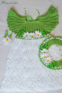 "Crochet set for little girl with dress, beret and brooch ""Camomile""