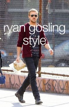 Hipster meets indie? Ryan Gosling always looks effortless, but oh so good. Get inspired by his style: http://www.wantering.com/celebrity/ryan-gosling-style/