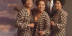 """The Staple Singers - Cleotha Staples, Mavis Staples, Roebuck """"Pops"""" Staples, and Yvonne Staples World Music, Music Life, Gospel Music, Music Songs, The Staple Singers, Mavis Staples, Jazz, Curtis Mayfield, Musica Pop"""