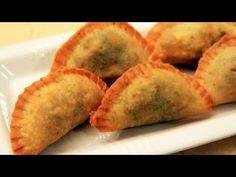 Sambusa - Saudi Arabia Recipe - YouTube They're like meat & veggie filled deep fried dumplings. Can I get a yum?