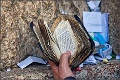 In honor of Yom Kippur, an old siddur, Jerusalem, The Western Wall That's a well-read siddur! May God richly bless this person and their family. Terra Santa, Feasts Of The Lord, Temple Mount, Biblical Hebrew, Jewish Art, Jewish History, Yom Kippur, Western Wall, Prayer Book