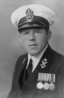 05/05/2011 : Claude Choules, dernier ancien combattant de la Première Guerre mondiale (° 3 mars 1901).