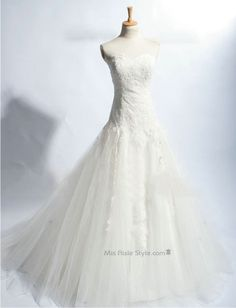 A-line Tulle Wedding Dress with Lace Applique
