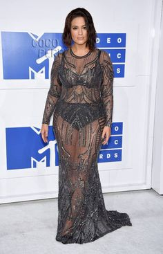 Ashley Graham Shows Off That Swimsuit Cover Body On The MTV VMAs Red Carpet | CocoPerez.com