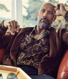The rock/Dwayne Johnson 💪💪. The Rock Dwayne Johnson, Rock Johnson, Dwayne The Rock, Mode Man, Coachella, Handsome Black Men, Raining Men, Well Dressed Men, Rock Style