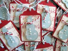 50 Christmas Themed Gift Tag Ideas. Some really pretty ones here.