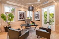 A home office for those busy Southern California professionals.
