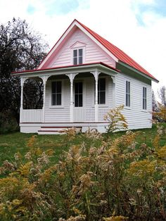 Tiny Houses: Living Large in a Small Space : Home Improvement : DIY Network