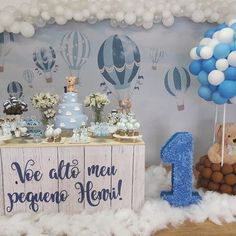 Inspiração para mêsversario ❤ ideas de fiesta em 2019 baby party, boy b Baby Shower Balloons, Baby Shower Themes, Baby Boy Shower, Baby Shower Decorations, 1st Boy Birthday, 1st Birthday Parties, Ballon Party, Party Signs, Birthday Decorations