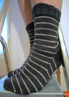 Comfy Socks, Sexy Socks, Cute Socks, Wool Socks, Knitting Socks, Knitting Projects, Knitting Patterns, Free Dobby, Hygge