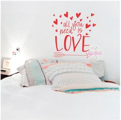 vinilo decorativo pared frase tipografico All You Need Is Love