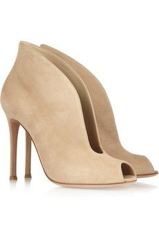 OOOlala, so pretty these nude suede with a deep cutout through the front,  ankle boots!