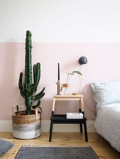Here's what I'm la la loving this week . . . This pretty pink bedroom. As you know, I'm a fan of the half painted pink wall and my fav the CACTUS!!