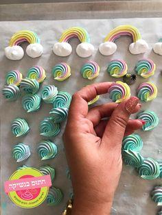 Meringue Shells Recipe, Meringue Cookie Recipe, Meringue Desserts, Buttercream Recipe, Cookie Icing, Cupcakes, Cupcake Cakes, Cakepops, Meringue Kisses