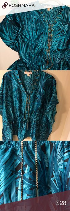 Michael Kors Tropical Print Wide Sleeve Blouse This beautiful blouse has wide sleeves and cinches in the mid section. The gold chain is a little worn (pictured above) but other than that this is a great piece. Perfect for a tropical getaway!!🌴🌴🌴 MICHAEL Michael Kors Tops Blouses