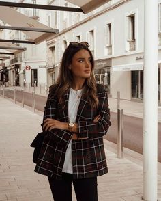 Combine the most beautiful blazers properly. -Combine the most beautiful blazers properly. -Combine the most beautiful blazers properly. Winter Outfits For Work, Fall Outfits, Summer Outfits, Fashion Mode, Work Fashion, Fashion Trends, Travel Fashion, Style Fashion, Winter Chic