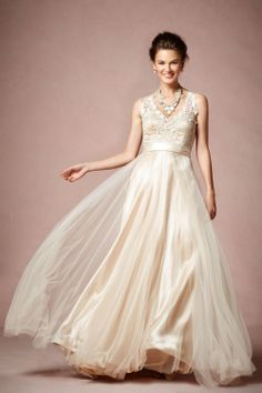 Wedding dress..BEAUTIFUL DRESSES,PLACES,ALL OF THE MESMERIZING THINGS....