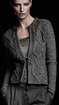 ~ Living a Beautiful Life ~ Nice lines! Jacket/Open Cardigan - use seed stitch background but smaller Cables for a smaller person. Diy Crochet Cardigan, Crochet Jacket Pattern, Knit Crochet, Crochet Granny, Ropa Free People, Cardigans For Women, Jackets For Women, Knit Fashion, Knit Jacket