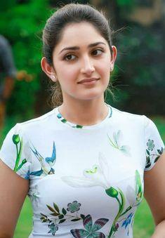 Top 50 Desi Look Women Wallpapers Beautiful Girl Indian, Most Beautiful Indian Actress, Beautiful Girl Image, Beautiful Women, Bollywood Actress Hot, Beautiful Bollywood Actress, Beautiful Actresses, Tamil Actress, Beauty Full Girl