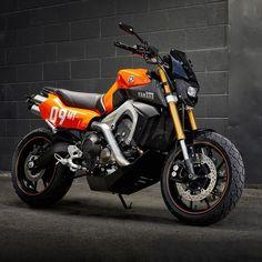 We've got a crush on this orange-flavored Yamaha from our friends at Ellaspede. Yamaha Cafe Racer, Yamaha Bikes, Moto Cafe, Yamaha Motor, Bobber Custom, Custom Motorcycles, Custom Bikes, Stunt Bike, Scooter Custom