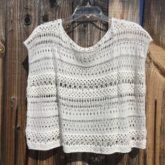 Hairpin Lace, Free Crochet, Crochet Pattern, Crochet Crop Top, Hollister Tops, Crochet Designs, White Fabrics, Loose Fit, Scoop Neck