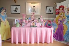 Candy table at a disney princess party. party ideas (: in 20 Birthday Candy, 4th Birthday Parties, 5th Birthday, Theme Parties, Birthday Ideas, Disney Princess Birthday Party, Princess Theme Party, Princess Disney, Videos Princesas Disney