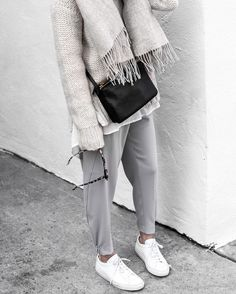 @figtny in neutral layers.
