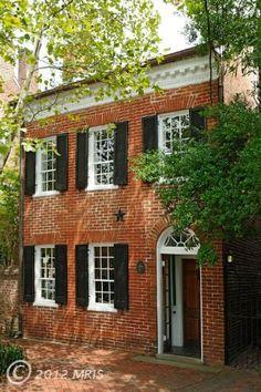 love this historic brick townhouse