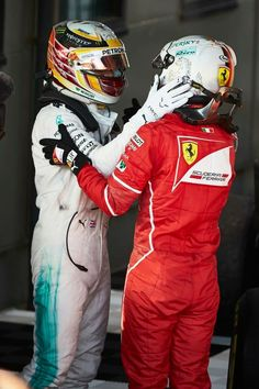 Lewis Hamilton (Mercedes) & Sebastian Vettel (Ferrari) | 2017 Australian GP, Melbourne