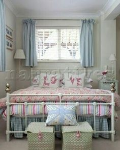 #home #homedecoration #architecture #design #dekorasyon #tasarım #interior #tasarim #evimgüzelevim #benimevim #evdekorasyonu #evdekor #evtasarim #oturmaodasi #yatakodasi #livingroom #instagood #instalike #instagram #tbt #bedroom #livingroom #oturmaodasi #yatakodasi #guzelevim #homedecor #homeinterior #banyo http://turkrazzi.com/ipost/1524867233419290814/?code=BUpaqtxlui-