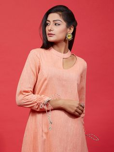 Kurti Sleeves Design, Sleeves Designs For Dresses, Neck Designs For Suits, Kurta Neck Design, Neckline Designs, Dress Neck Designs, Collar Designs, Sleeve Designs, Kurta Designs