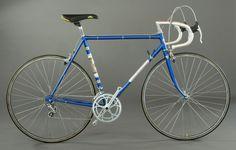 Vintage Cycles, Classic Bikes, Childhood Memories, Rv, Bicycle, Hungary, Cycling, Stars, Travel