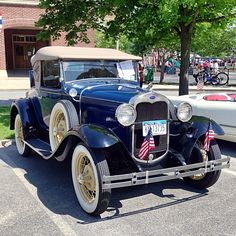 motoriginal:  Another Memorial Day special, 1930 Ford Model A Roadster.