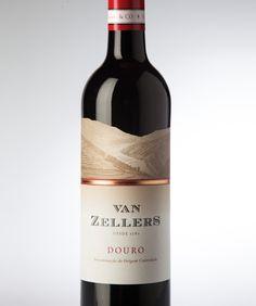 Second Hand Wine Fridge Zinfandel Wine, Sangria Wine, Wine Away, Wine Shelves, Wine Storage, Wine Logo, Wine Bottle Labels, Wine Bottles, Wine Glass