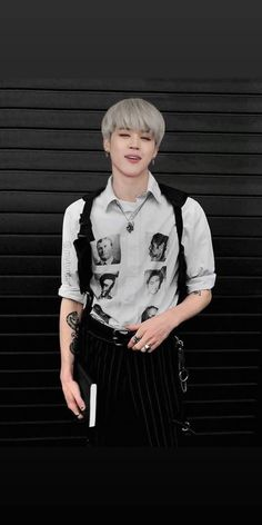 reposting this because i am in love with this pic of jimin he is so hot😍😍💜 Bts Jimin, Bts Taehyung, Bts Bangtan Boy, Foto Bts, Bts Photo, Jikook, Yoonmin, Estilo Bad Boy, Park Jimim