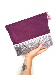 Discover the new NHLK makeup or makeup kit collection, . Diy Clutch, Handmade Clutch, Clutch Bag, Sewing Tutorials, Sewing Patterns, Pochette Diy, Diy Bags No Sew, Potli Bags, Diy Wallet