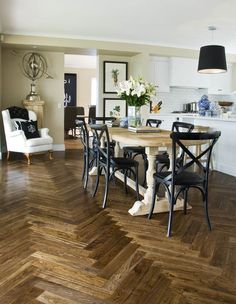 HAND STAINED FRENCH OAK PARQUETRY