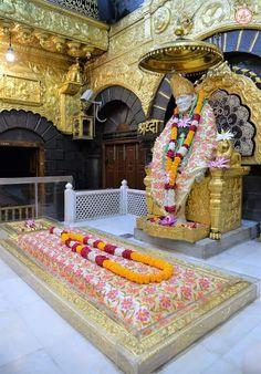 Sai Baba Pictures, Sai Baba Photos, Shirdi Sai Baba Wallpapers, Lord Vishnu Wallpapers, Om Sai Ram, Krishna Painting, Goddess Lakshmi, Hindus, Radhe Krishna