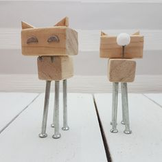 n22 serie 3. Robot gato original de madera hecho por maderitas.es .Robot madera. Wooden robot. #woodworking #madera #robot