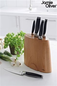 Jamie Oliver kitchen knives and block