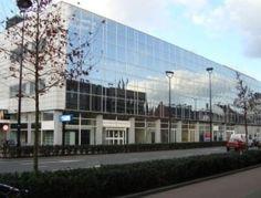 Op zoek naar kantoorruimte in het centrum van Tilburg?  Dit kantoorgebouw is per direct te huur en ligt pal naast het station aan de spoorlaan 21. Meer weten? Bel 085-4013999 of reageer online.  http://www.huurbieding.nl/huur/kantoorpanden/1-01017/tilburg/spoorlaan-21.html  #kantoorruimte #tehuur #huren #huurders #tilburg #brabant #station #alocatie #beschikbaar #vastgoed #mkb #dienstverlening #bieden #huurprijs #ns